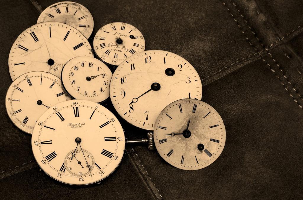 clocks tracking time